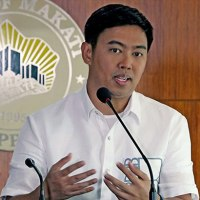 SUPREME COURT REVERSES OMBUDSMAN SUSPENSION VS MAYOR JUNJUN BINAY