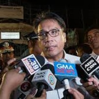 'Arrogant' Mar Roxas  lashes at Davao media